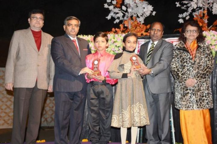DAV Centenary Public School-Prize Distribution
