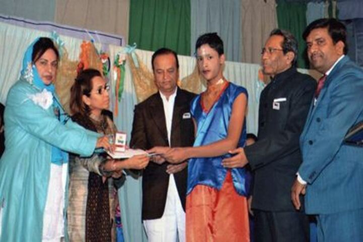 Dayanand Public School-Prize Distribution