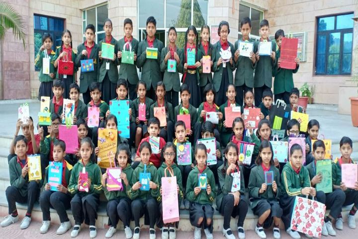 Eklavya International Academy-Card MMaking