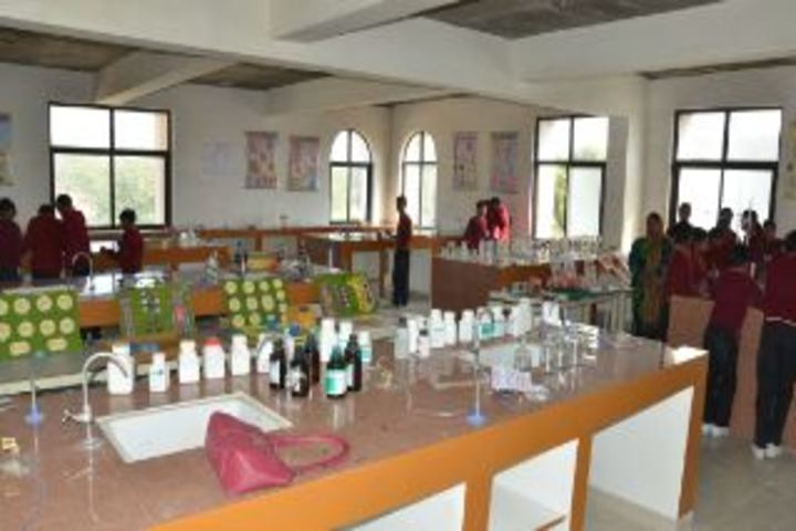 Eklavya International Academy-Chemistry Lab