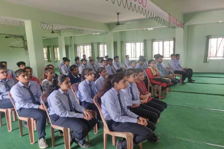 Excellence English Academy-Seminar hall