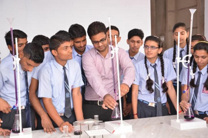 Gyanodaya Public School-Science lab