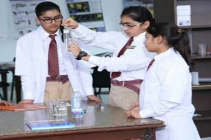 Heritage Girls School-Science lab