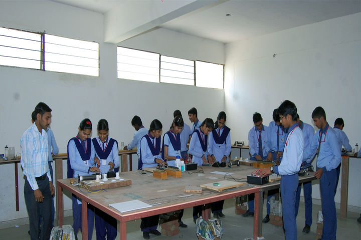 Ideal Public Senior Secondary School-Physics Lab