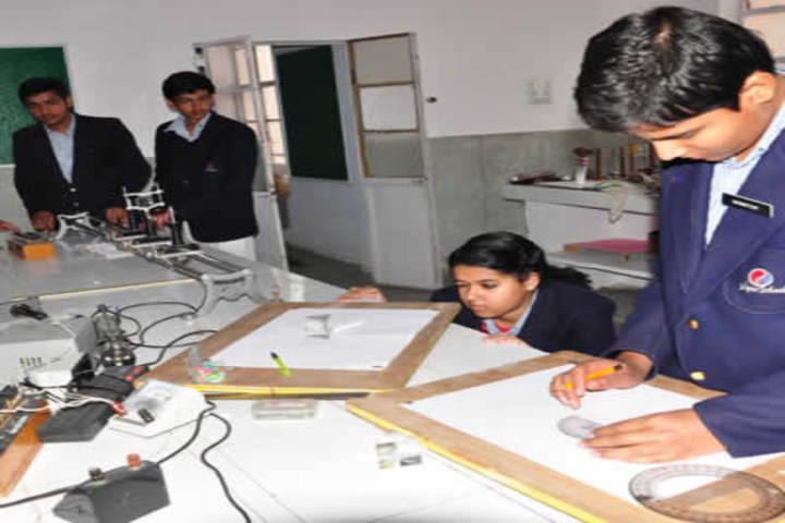 Jaipur School-Physics lab