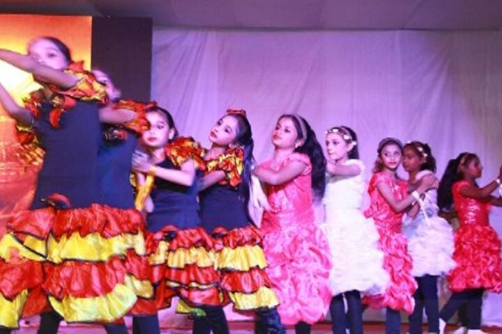 Khwaja Model School-Dance Compitition