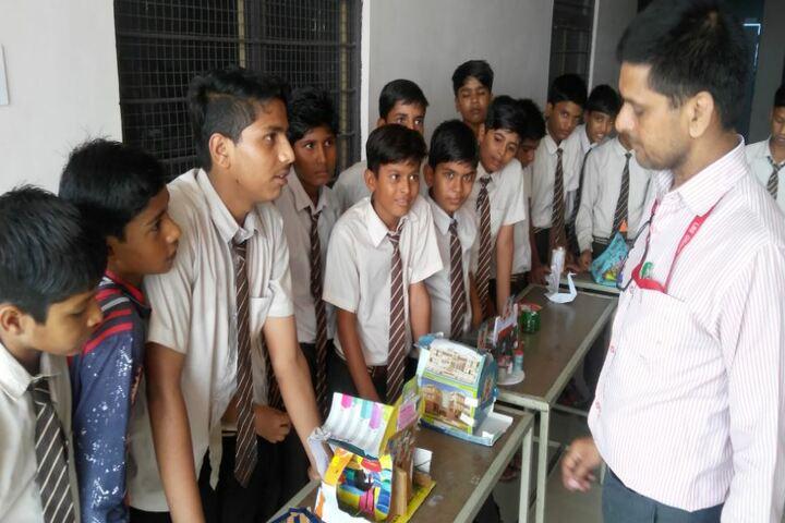 Lal Bahadur Shastri Senior Secondary School-Arts and Crafts