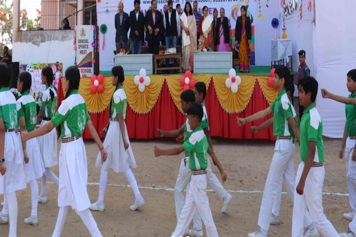 Lal Bahadur Shastri Senior Secondary School-March Past