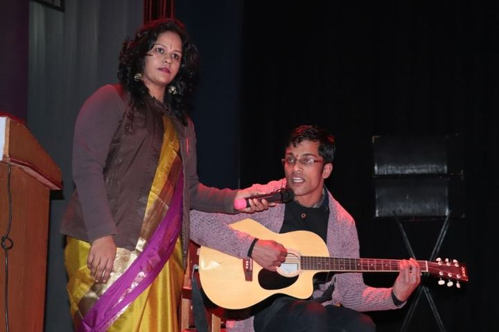 Lal Bahadur Shastri Senior Secondary School-Singing
