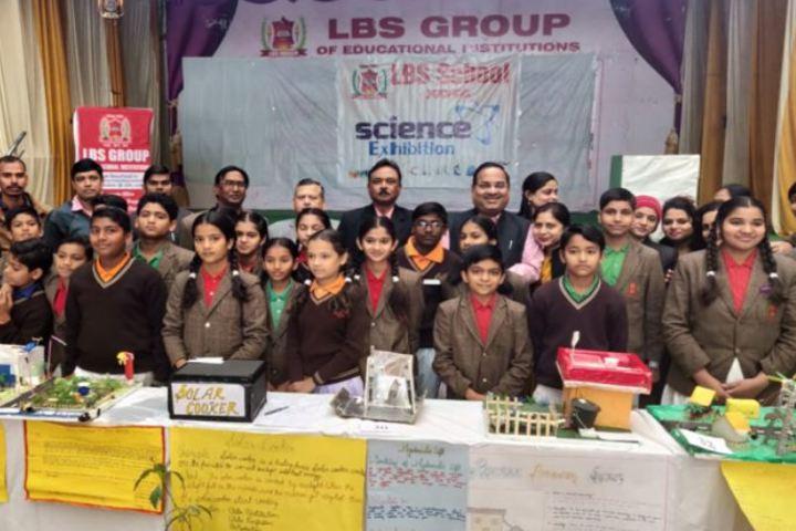 Lal Bahadur Shastri Senior Secondary School-Students