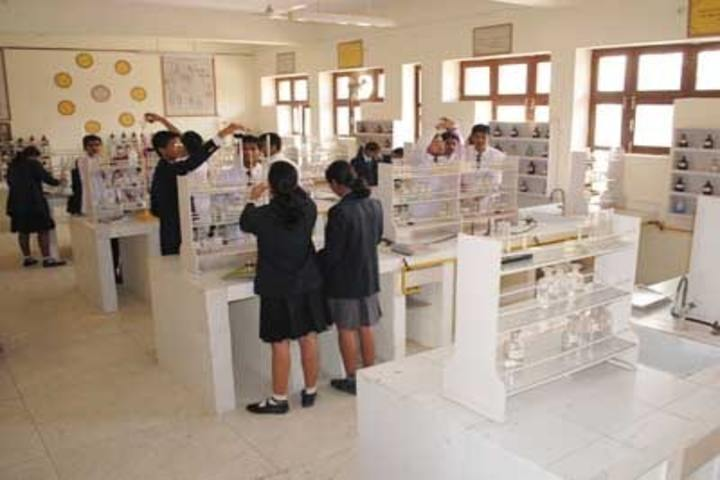 Lala Kamlapat Singhania Education Centre-Chemistry Lab