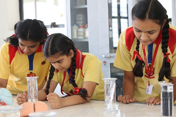 Leo International School-Biology Lab