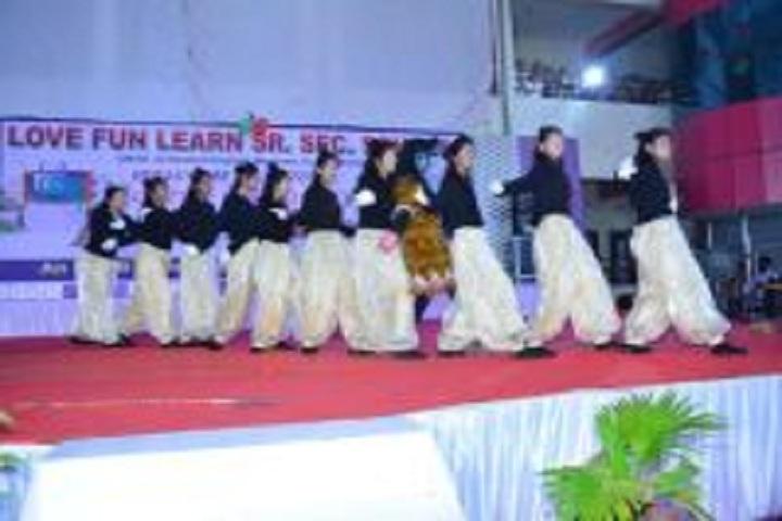 Love Fun Learn School-Group dances