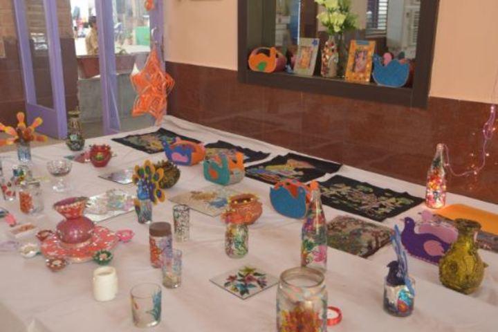 Lucky Bal Niketan-Arts Lab