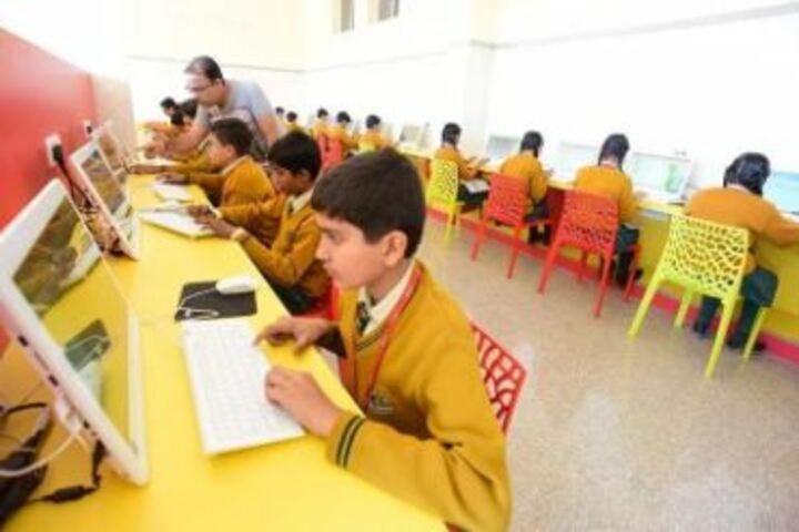Lyall Public School-Computer Lab