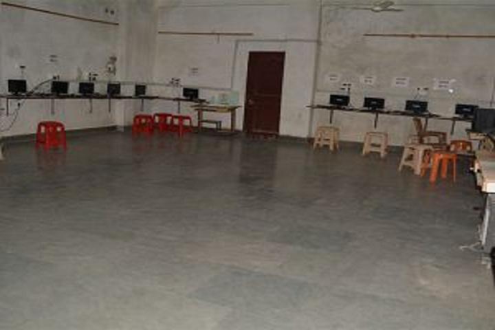 Manu Public School-Computer lab