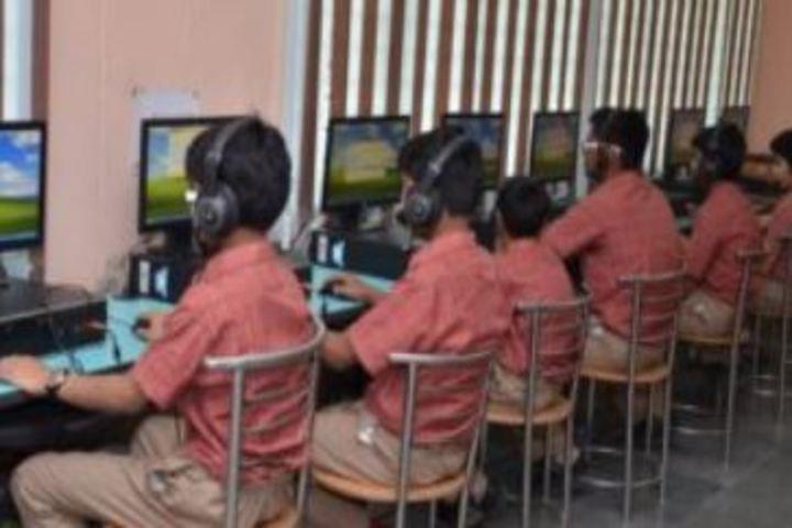 Modern Public School-Language Lab