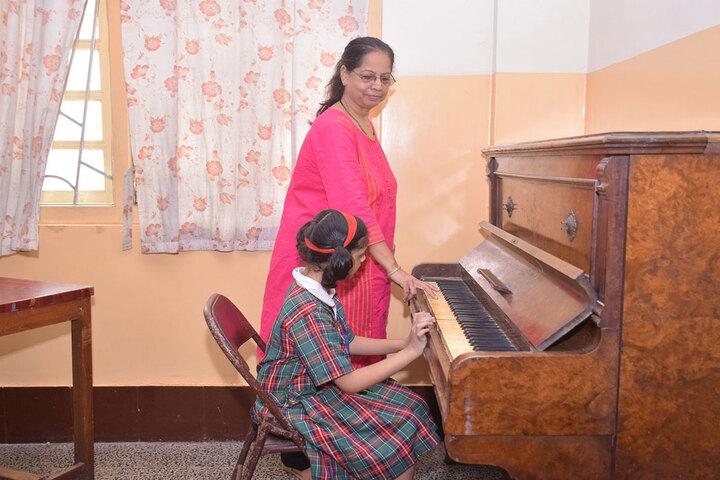 Auxilium Convent High School-Music Room