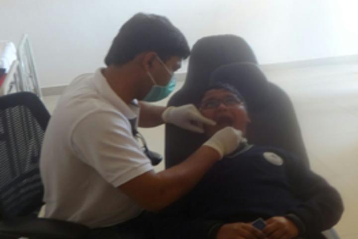 Mount Litera Zee School-Health checkup