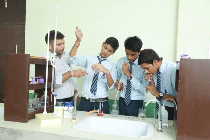Oasis Sainik School-Chemistry lab