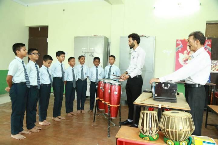 Oasis Sainik School-Music
