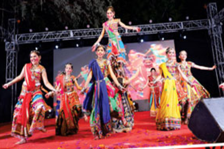 Oxford International Public School-Dance
