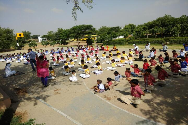 Oxford International School-Yoga