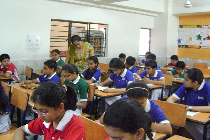Paras International English School-Classroom