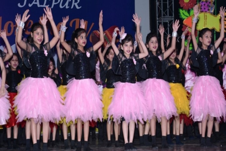 Paras International English School-Dance