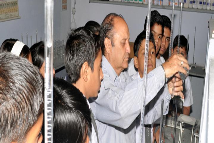 Polkaji Shikshan Sansthan-Chemistry Lab