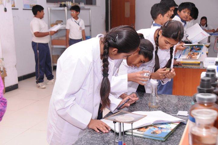 Presidency School-Chemistry lab