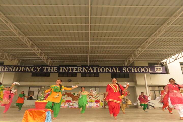 Presidency The International School-Cultural Dance