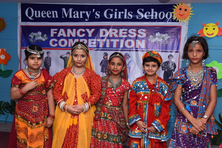 Queen Marys Girls School-Fancy Dress Competition