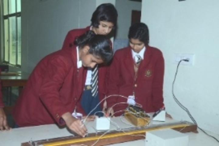 Raath International School-Physics Lab