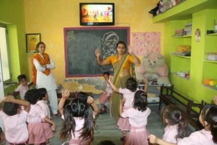 Rainbow Public School-Teaching