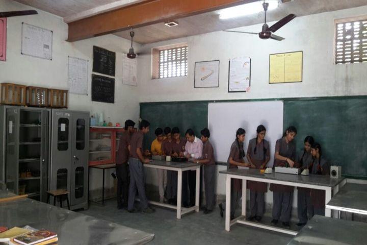 Rani Devendra Kumari Public School-Physics Lab