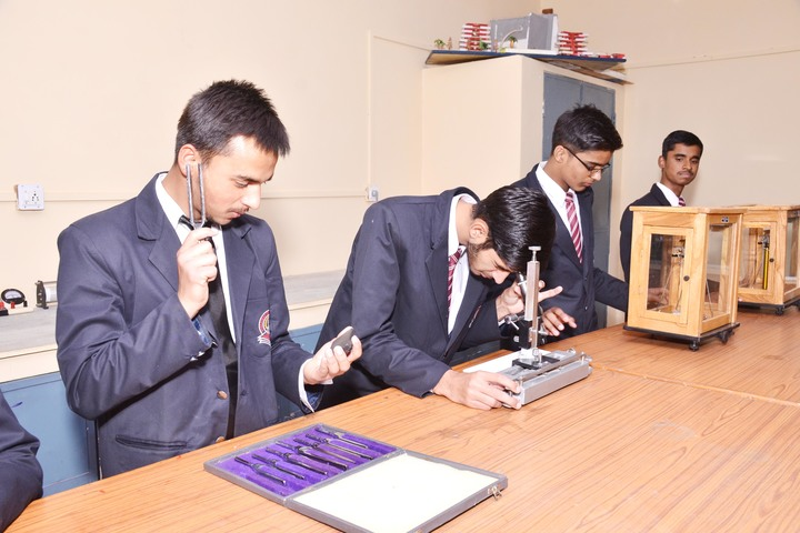 S M Nimawat Public School-Physics Lab