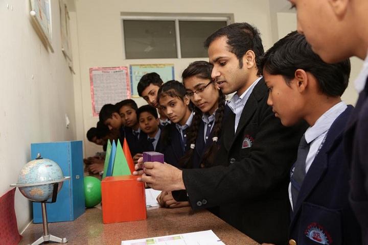 S R Public Senior Secondary School-Maths Lab