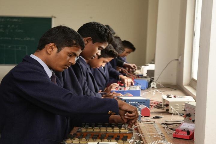 S R Public Senior Secondary School-Physics Lab1