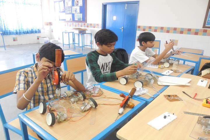 Sanskar School-Robotics Lab