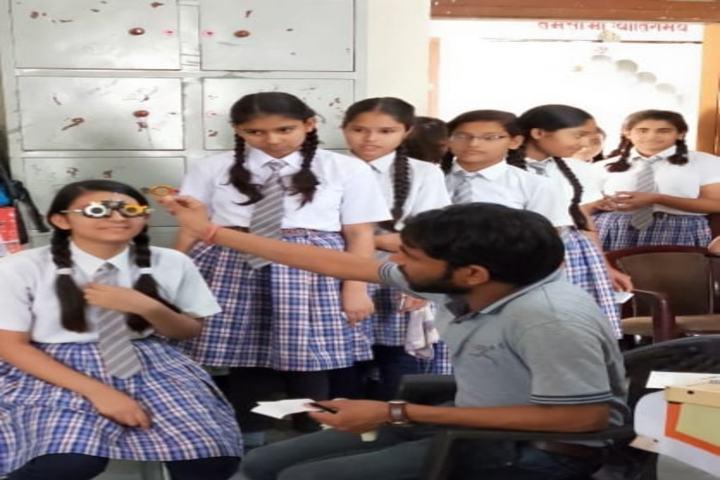 Saraswati English Medium School-Eye Checkup