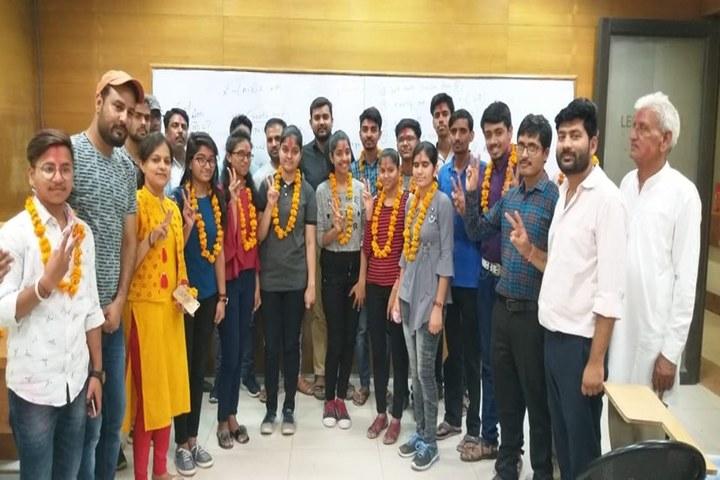Saraswati English Medium School-Felicitation