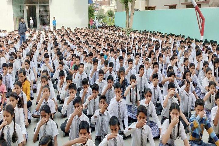 Saraswati English Medium School-Yoga