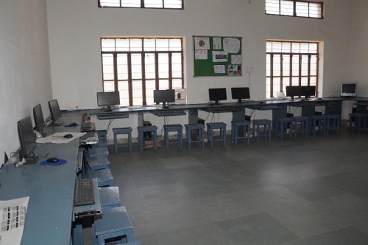 Saraswati Modern Public School-Computer Lab