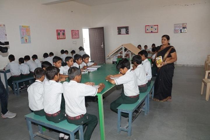 Saraswati Modern Public School-Library