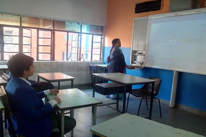 Seedling Modern High School-Smart Classroom