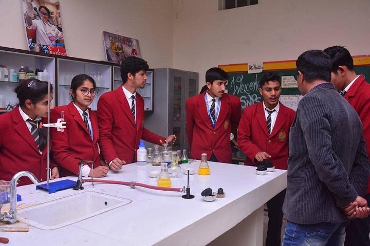 Shanti Niketan Public School-Laboratory