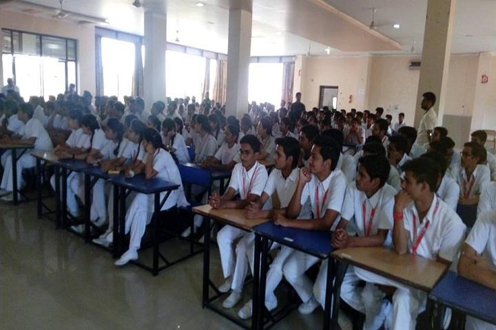 Shree Mahesh Public School-Classroom