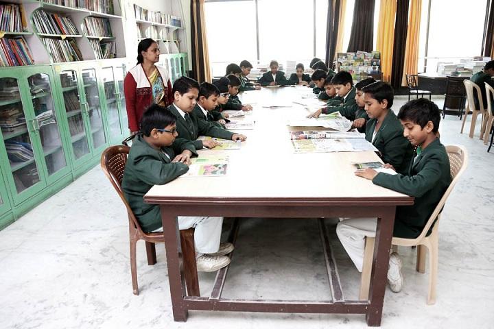 Sri Guru Harkrishan Public School-Library with teacher