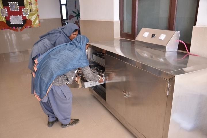 Suratgarh Public School-Cafeteria